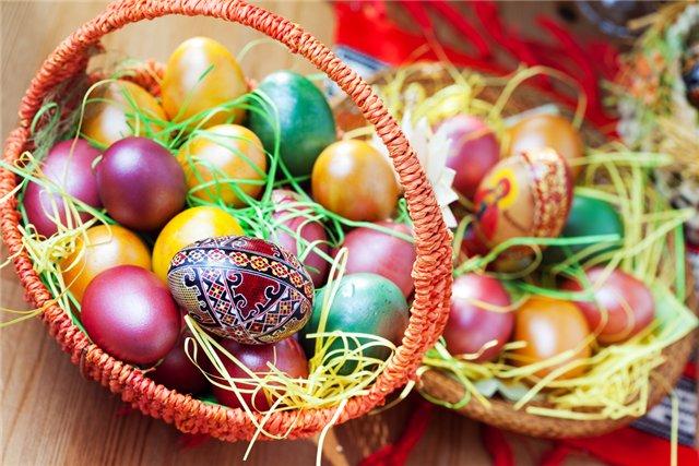 Окраска яиц с помощью натуральных красителей