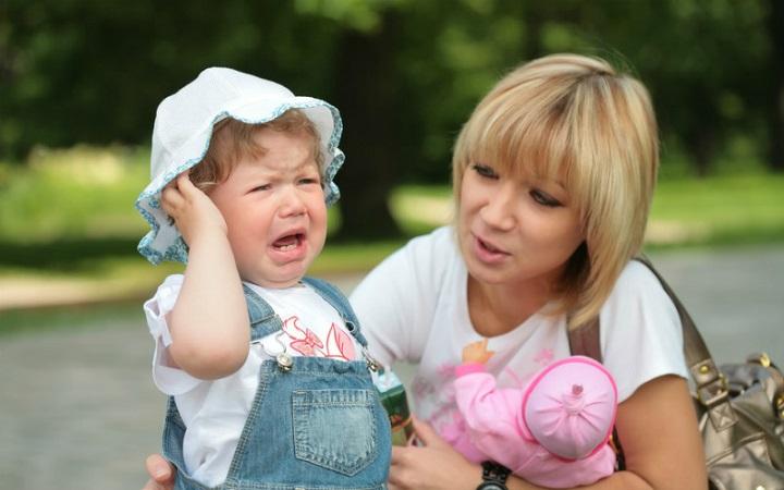 Как вести себя, когда у ребенка истерика?