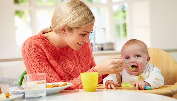 Чем кормить, годовалого малыша: простые рецепты