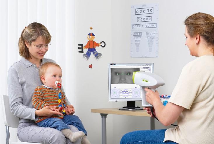 Что делать при покраснении глаз у ребенка, какие причины отклонения бывают