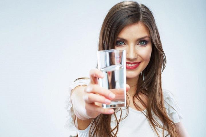 Почему нужно пить больше воды?