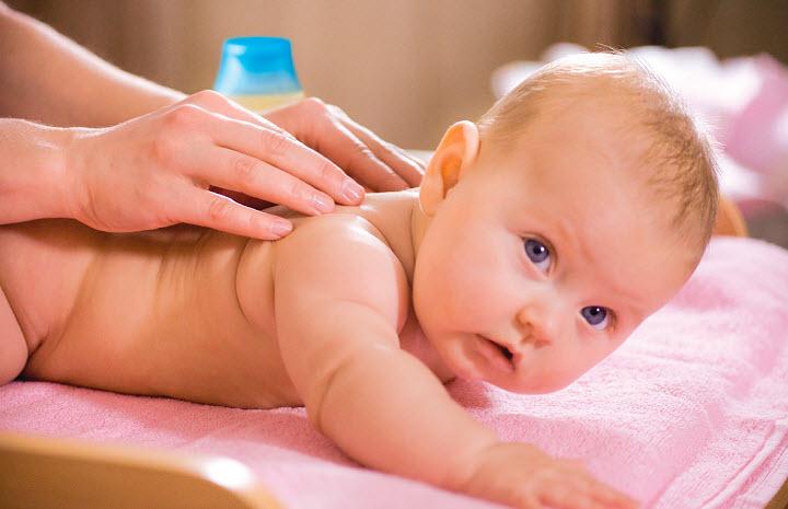 Лечебный массаж для детей: специфика и правила проведения