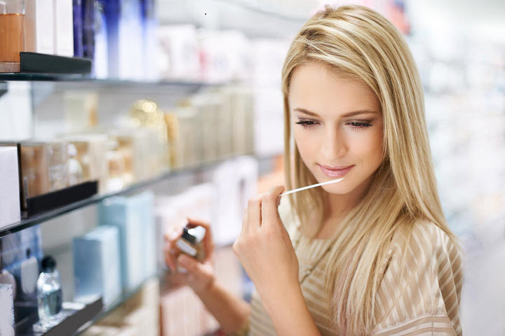 Как выбрать идеальный парфюм: руководство для женщин