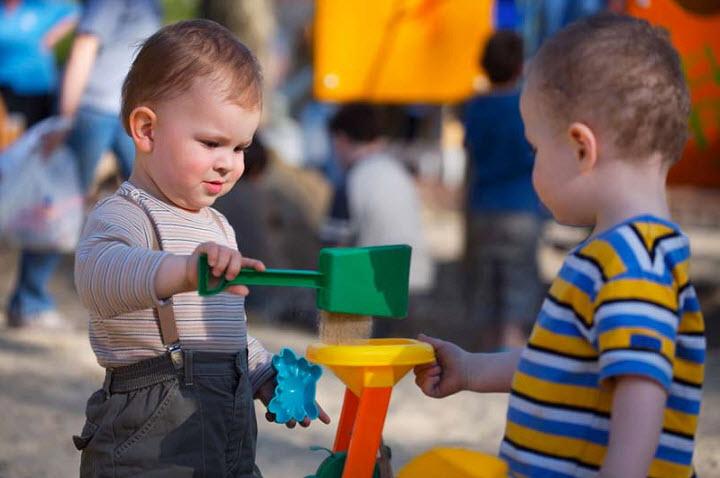 Как победить проблемы ребенка с социализацией?