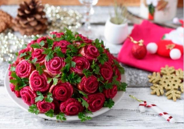 Меню на 8 Марта: салат «Букет роз»