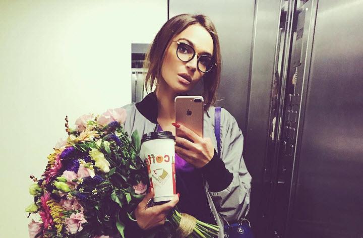 Алена Водонаева закрутила роман с актером из сериала «Кадетство» Кириллом Емельяновым - СМИ