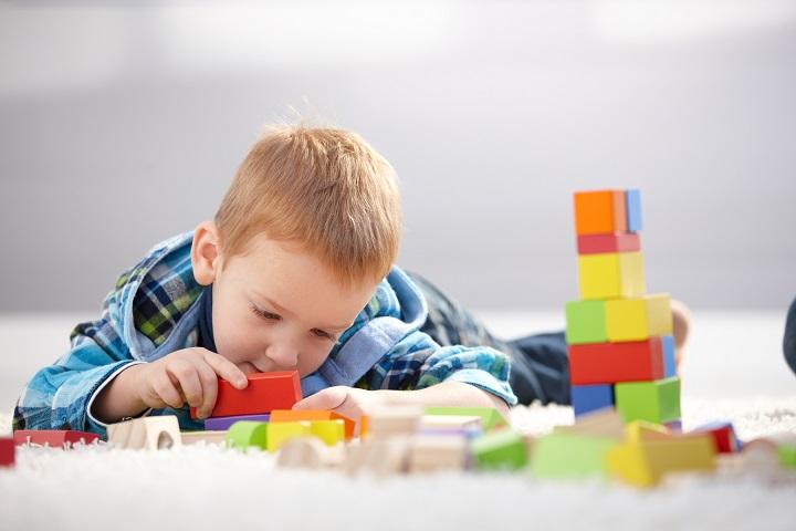 Чем занять ребенка 2–3 лет?