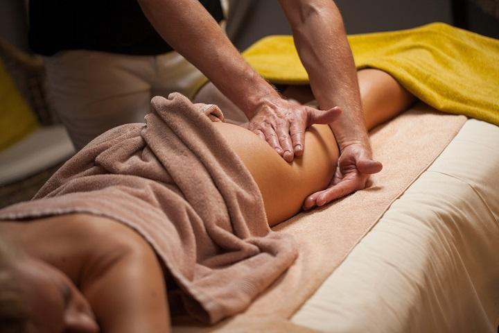 Антицеллюлитный массаж: особенности процедуры