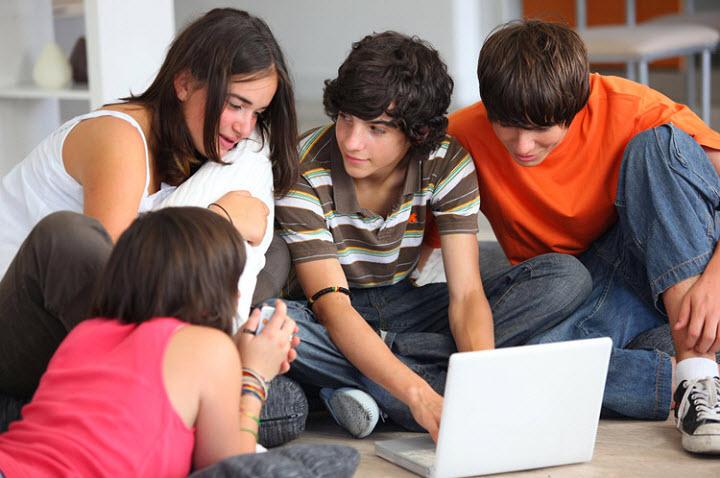 Школьники создали свою социальную сеть