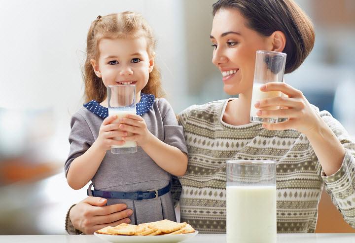 Какое молоко полезно пить детям. Польза молока для детского организма