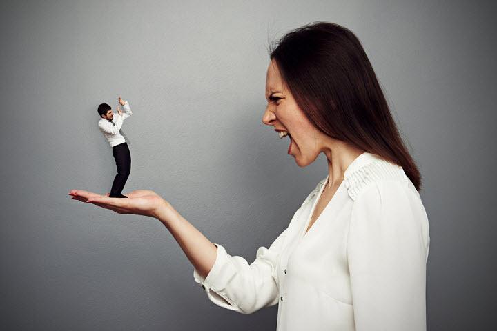 Как определить, что жена — тиран: характерные признаки, причины такого поведения и методы решения проблемы