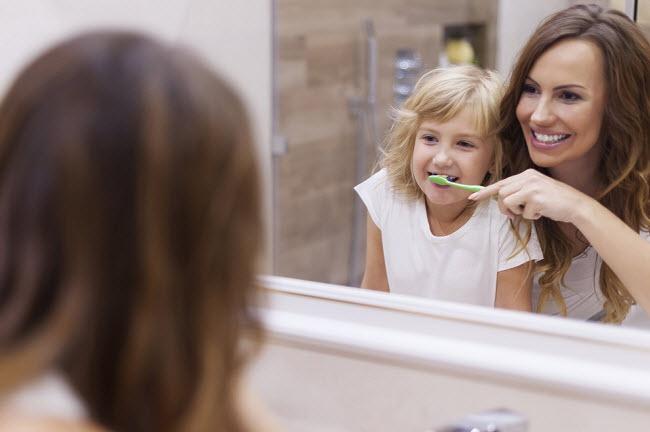 как приучить ребенка чистить зубки