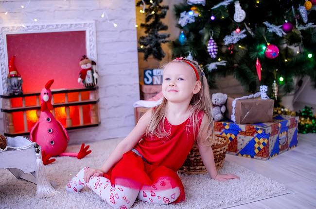 новый год девочка елка