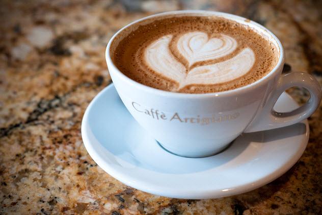 кружка с кофем