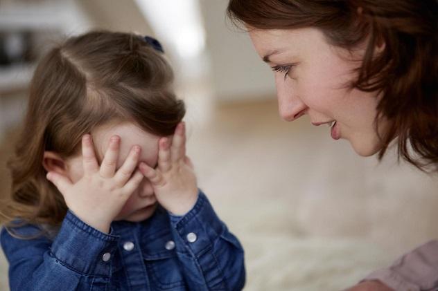 маленькая девочка солгала маме