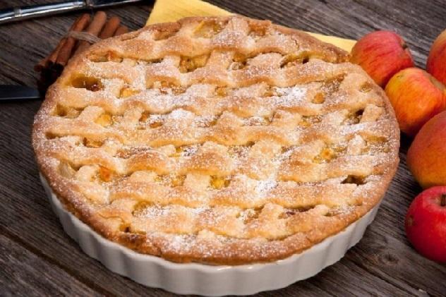 классический пирог с яблоками из песочного теста
