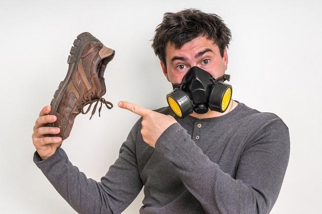 сильный запах из ботинок